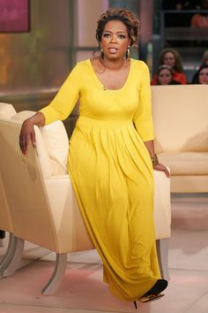 Oprah's Style: 25 Years of Fashion Hits and Misses - Oprah Winfrey - Oprah Winfrey, Apple Shaped Celebrities, Black Celebrities, Salma Hayek, Eva Mendes Dress, Apple Shape Fashion, Apple Body Shapes, Yellow Maxi Dress, African Fashion