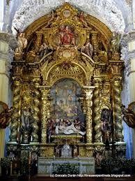 El entierro de Cristo de Pedro Roldan es de una belleza y un realismo asombrosos, De acuerdo con la intención de su fundador Miguel de Mañara, el Hospital de la Caridad, fue y es aún utilizado hoy día como refugio de pobres e indigentes.