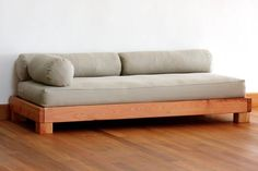 7 Creative And Inexpensive Useful Tips: Futon Passo A Passo futon passo a passo world.Futon Passo A Passo futon cushion slipcovers. Futon Diy, Cama Futon, Futon Bedroom, Futon Couch, Diy Couch, Futon Mattress, Twin Futon, Daybed, Pallet Tables