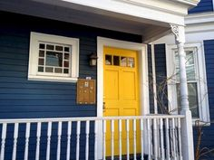House exterior siding ideas yellow doors 60 Ideas for 2019 Best Exterior Paint, Exterior Paint Colors For House, Exterior Siding, Paint Colors For Home, Exterior Colors, Paint Colours, Siding Colors, Dark Blue Houses, Navy Houses