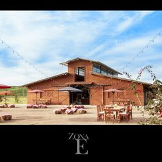 Adentro o afuera, ¡Tú decides! #ZonaELlanogrande #BodasCampestresMedellin #BodasAlAireLibre #TuBoda www.zonaellanogrande.com