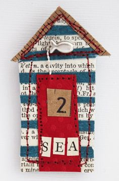beach hut - paper embroidery decoupage fabric to bird house fronts Free Motion Embroidery, Paper Embroidery, Machine Embroidery, House Quilts, Fabric Houses, Little Houses, Mini Houses, Beach Crafts, Beach Art