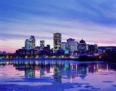 Montreal is a super fun city with an interesting culture. Je te donne un indice: Parlez le francais dans les boites de nuit!