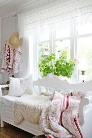 """Vibeke Design"" Source by Swedish Cottage, White Cottage, Shabby Cottage, Cottage Chic, Cottage Style, Estilo Cottage, Vibeke Design, Estilo Shabby Chic, Piece A Vivre"