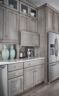 Nice 99 Stunning Gray Farmhouse Kitchen Cabinet Makeover Ideas. More at http://99homy.com/2018/02/28/99-stunning-gray-farmhouse-kitchen-cabinet-makeover-ideas/