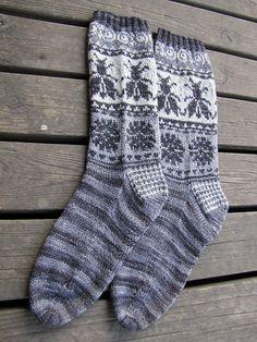 Ravelry: Loistavat niityt – Great Meadows (Muhu Socks) pattern by Tiina Kaarela Fair Isle Knitting, Knitting Socks, Hand Knitting, Knitted Hats, Knit Socks, Knitting Ideas, Kinds Of Clothes, Bees Knees, Knitting Accessories