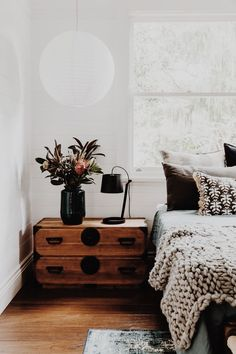 Home Interior Living Room Bohemian minimalist with urban outfiters bedroom ideas Interior Living Room Bohemian minimalist with urban outfiters bedroom ideas 8 Romantic Bedroom Decor, Home Decor Bedroom, Bedroom Ideas, Master Bedroom, Bedroom Furniture, Bedroom Wall, Mission Furniture, Bedroom Brown, Bedroom Neutral