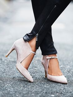 Cerow Heel | Crafted from supple Spanish leather, these heels are perfect for a night out on the town. Featuring pointed toe and adjustable buckle accent along the top for a unique silhouette.
