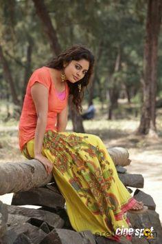 Nandita Swetha Beautiful HD Photoshoot Stills Beautiful Girl Indian, Beautiful Girl Image, Beautiful Indian Actress, Beautiful Actresses, Beautiful Women, New Girl Photo, Girl Photo Poses, Beauty Full Girl, Beauty Women