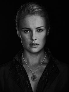 """Black Sails Hannah New as """"Eleanor Guthrie"""" Hannah New, Black Sails Starz, Series Black, Kensington, Templer, Walking The Plank, Female Reference, Character Reference, Victor Hugo"""