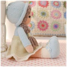 Mary Jane's TEAROOM: 'Little Yarn Dolls' knitting pattern...