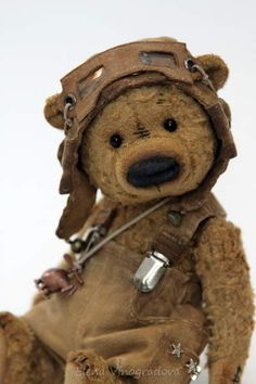 Artist Bears and Handmade Teddy Bears - Thousands of collectable bears from teddy bear artists around the world. Old Teddy Bears, Vintage Teddy Bears, My Teddy Bear, Vintage Toys, Bear Doll, Cute Bears, Old Toys, Felt Animals, Plush