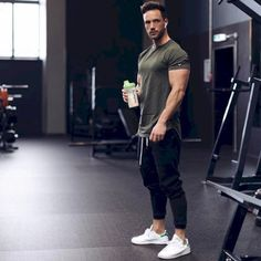 46 Elegant Sporty Outfits Ideas For Men is part of Mens workout clothes - Elegant Sporty Outfits Ideas For Men Sport Fashion, Fitness Fashion, Mens Fashion, Fitness Clothing, Gym Fashion, Newborn Outfit, Gym Outfit Men, Style Masculin, Fitness Man