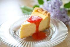 Lemon cheese cake with strawberry melba Lemon Cheese, Strawberry Cakes, Cheesecake, Eat, Desserts, Food, Tailgate Desserts, Deserts, Cheesecakes