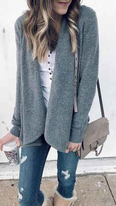 winter casual style obsession / cardigan top bag ripped jeans boots