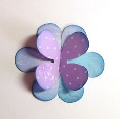 """Vi kortlagere elsker blomster! Blomster er ofte det """"lille ekstra"""" på kortene våre, og de kan kjøpes i de lekreste farger og design. Men vi..."""