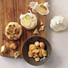 Easy Roasted Garlic - Rachael Ray Every Day Cooking Tips, Cooking Recipes, Marinade Sauce, Thing 1, Rib Roast, Garlic Recipes, Herb Butter, Roasted Vegetables, Veggies