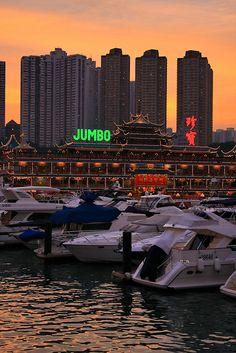 china hongkong aberdeen jumbo floating restaurant 02684.jpg   Skyum World Travel Images