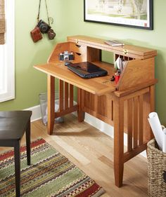 Build your own office furniture with quality, shop-tested desk plans. Slant-top, executive, computer desks, and more. Woodworking Shop Layout, Woodworking Store, Woodworking Furniture, Woodworking Plans, Woodworking Chisels, Woodworking Magazine, Woodworking Workshop, Custom Woodworking, Woodworking Projects