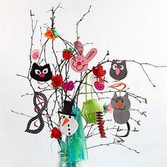 Skabeloner til fastelavnsris /kartonophæng Easter Crafts, Fun Crafts, Arts And Crafts, Diy Guide, Diy For Kids, Crafts For Kids, Kids Carnival, Kids Dress Up, Easter Tree