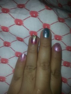 Escarcha y metalicos. Giltters and metallics! Nail Polish, Nails, Fun, Frost, Finger Nails, Ongles, Nail, Finger Nail Painting, Manicure