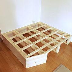 女性で、Lounge/DIY/小上がり/小上がりDIY/土台作りについてのインテリア実例。 「娘の為に小上がりを作...」 (2017-01-17 12:19:24に共有されました) Japanese Interior Design, Small Space Interior Design, Diy Interior, Interior Design Living Room, Modul Sofa, Diy Woodworking, Room Decor, Furniture, Washitsu