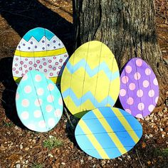 Easter decorations are here! Add one to your decorative collection or check out our unfinished eggs to decorate and have some fun with your family! Two sizes available. Easter crafts ThreeLeafsWoodworks shared a new photo on Etsy Easter Arts And Crafts, Easter Projects, Spring Crafts, Holiday Crafts, Easter Ideas, Bunny Crafts, Decoration Palette, Easter Egg Designs, Diy Easter Decorations