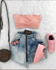 Trendy Luxury Cars For Women Fashion Outfit - - Car Recommendation For Womans - Komplette Outfits, Tumblr Outfits, Teenage Outfits, Teen Fashion Outfits, Cute Fashion, Outfits For Teens, Trendy Fashion, Womens Fashion, Trendy Style