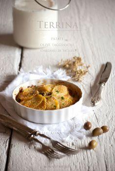 terrina di patate, olive e prosciutto