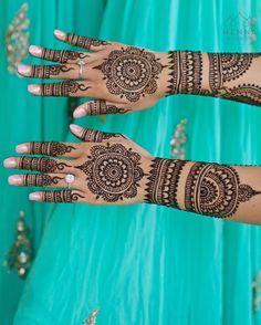"785 Likes, 7 Comments - Henna Lounge ® (@hennalounge) on Instagram: ""Bridal mehndi action on location in Cancun. Inspired by @mahams_mehndi #aqua #turquoise #henna…"""