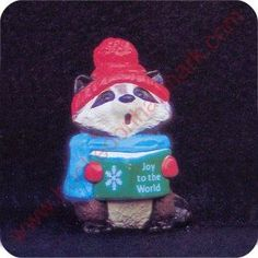 1989 Raccoon Caroler - Merry Miniature