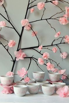 Simple Tea Cup Favors and that back drop ! I likey !!