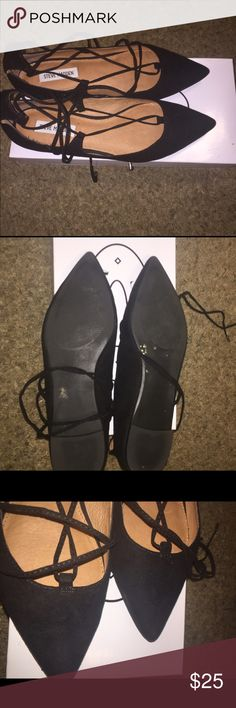 Steve Madden shoes Gently use. Comes with a box. No trades. Steve Madden Shoes Flats & Loafers
