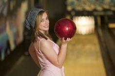 Shelby – Senior Portraits – Bowling and Studio Senior Sports Photography, Art Photography Women, Photography Poses, Family Photography, Nature Photography, Summer Art Projects, Art Projects For Teens, Girl Senior Pictures, Senior Girls