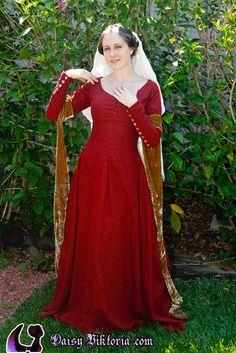 red linen kirtle  http://faerie-queen.com