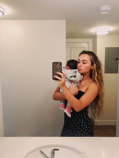 She is a young mother but she is well beyond her years in the mother mentality Most Beautiful Man, Beautiful Babies, Cute Little Baby, Cute Babies, Gabriel, World's Cutest Baby, Why Dont We Imagines, Why Dont We Boys, Zach Herron