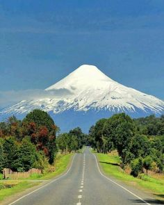 Osorno Volcano is located in Los Lagos Region of Chile. It stands on the southeastern shore of Llanquihue Lake, Osorno Volcano is a symbol of the local landscape, and is noted for its similar appearance to Mount Fuji in Japan . Places To Travel, Places To See, Travel Destinations, Vacation Travel, Places Around The World, Around The Worlds, Monte Fuji, Beautiful Landscapes, Wonders Of The World
