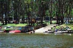 A multiple award winning resort style caravan park located on the banks of the Edward River. Splash Park, Conference Facilities, Holiday Park, Resort Style, Playground, Skiing, Boat, Camping, Pool Water