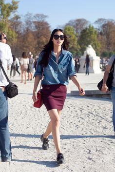 Denim shirt and  straight skirt. Simple but good combo.