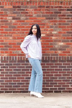 A puff sleeve pastel blouse paired with light blue flared jeans are the perfect casual spring outfit. Modest Outfits, Jean Outfits, Modest Fashion, Casual Outfits, Fashion Outfits, Flare Jeans Outfit, Women's Jeans, Women's Casual, Southern Style