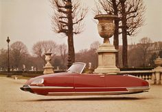 Citroen DS 21 Cabrio The Citroën DS (also known as Déesse, or Goddess, after the punning initials in French) was an automobile produced by the French. Hommes Au Style Country, Hover Car, Chengdu, Space Car, Automobile, Walter Mitty, Cars Series, Flying Car, Cabriolet