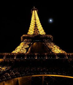 Eiffel Tower paris france shopping holidays arrondissements tourism