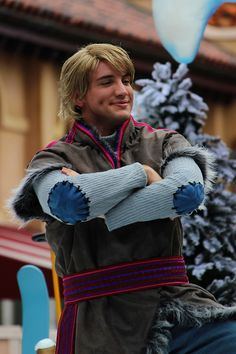 Disney Character Cosplay obsessed with Kristoff - Kristoff Costume, Frozen Costume, Frozen Kids, Disney Frozen, Kristoff Frozen, Disney Cosplay, Disney Costumes, Disney Love, Disney Magic