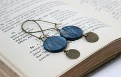 Hey, I found this really awesome Etsy listing at https://www.etsy.com/listing/154779019/long-london-blue-and-antique-gold-circle