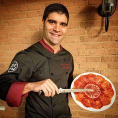 """A nadie le faltan fuerzas; lo que a muchísimos les falta es voluntad"" Víctor Hugo  www.corteacuchillo.com  #cortadordejamonunaprofesion #jamon #iberico #patanegra #food #foodie #madrid #foodart #me #jabugo #bellota #artfood #selfie #foodpic #corteacuchillo #picoftheday #ham #spain #spanishfood #feliznavidad #cortadordejamon #ham #instafood #instafoodie #foodphotography #jamón #jamonlovers #victorhugo"