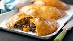 A classic British dish, make these Cornish pasties into small bite-sized pies to turn them into a party snack. Created by Great British Bake Off judge Paul Hollywood, test your baking skills by making the pastry from scratch. Hp Sauce, Mary Berry, The Great British Bake Off, Simply Yummy, Cornish Pasties, Cornish Pie, British Baking, Relleno, Cooking Recipes
