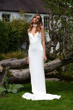 N I X I E  G O W N | M O D E R N | B R I D A L | 🌿 Sell My Wedding Dress, Buy Wedding Dress Online, Used Wedding Dresses, Bridal Dresses, Ea, Wilderness, Dresses Online, Gowns, Couture