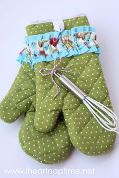 Oven mittens - 25+ easy sewing projects - NoBiggie.net