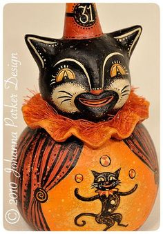 Halloween folk art cat by Johanna Parker >me reminds me of the vintage candy containers from so long ago! Retro Halloween, Halloween Queen, Vintage Halloween Decorations, Halloween Doll, Halloween Items, Halloween Pictures, Holidays Halloween, Halloween Pumpkins, Halloween Labels