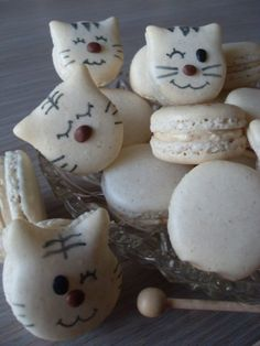 Cat macaroons...how adorable!